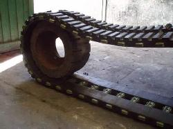 Metal and rubber tracks for tracked military vehicles Rubber products manufacturers